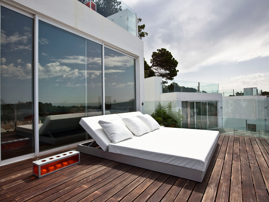 Cama Chill Con Respaldo Reclining Bed Designed By Jose A