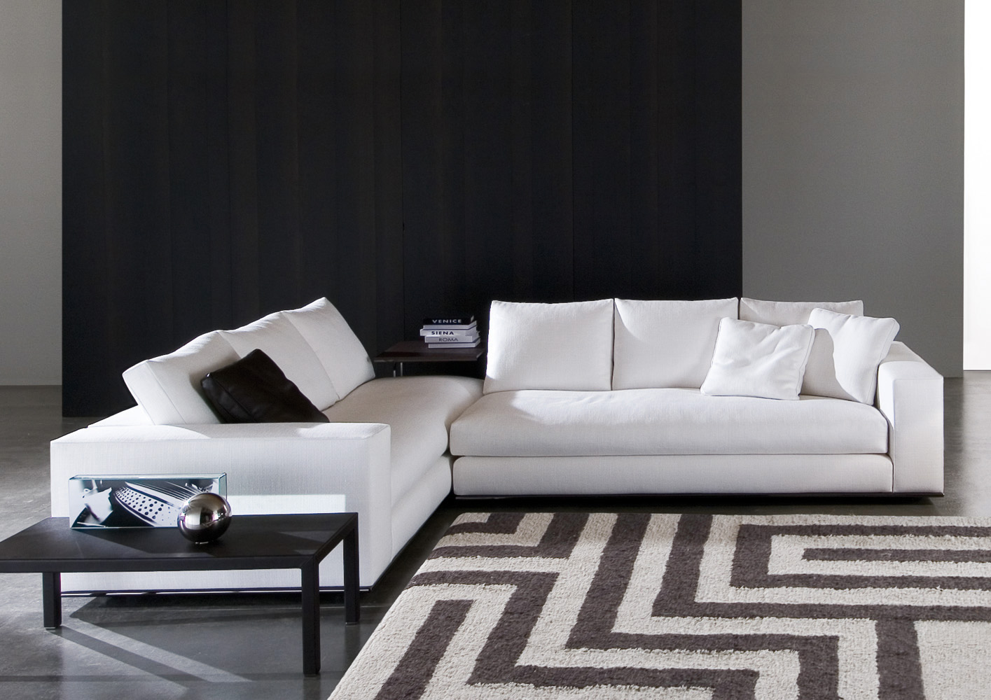 Hamilton sofa designed by rodolfo dordoni minotti for I furniture hamilton