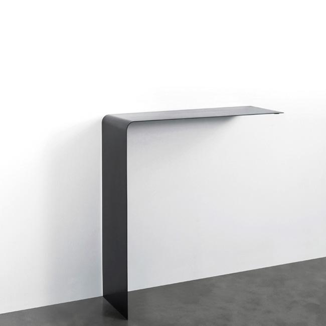 Wing shelf designed by maurizio peregalli zeus orange skin - Tablette murale pour tv ...